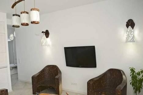 Сдается 3-комнатная квартира посуточно в Одессе, Кленовая улица, 2А.
