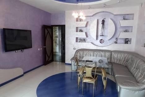 Сдается 3-комнатная квартира посуточно в Одессе, Среднефонтанская улица, 19Б.