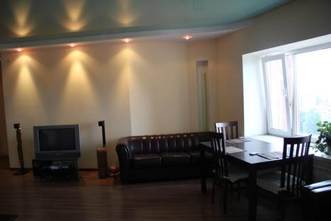 Сдается 3-комнатная квартира посуточнов Уфе, ул. Энтузиастов, 1.