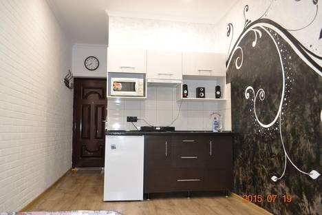 Сдается 1-комнатная квартира посуточно в Ялте, ул. Поликуровская,5.
