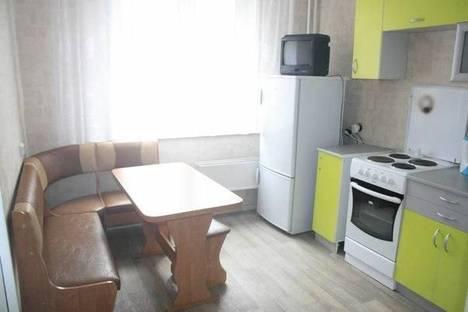 Сдается 1-комнатная квартира посуточно в Ленинске-Кузнецком, ул. Ленина, 3.