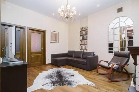 Сдается 4-комнатная квартира посуточно в Санкт-Петербурге, Кронверкский проспект 61/28.