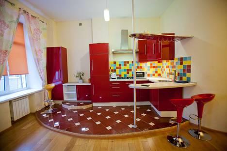 Сдается 2-комнатная квартира посуточно в Смоленске, Краснинская 2-я, 7/1.