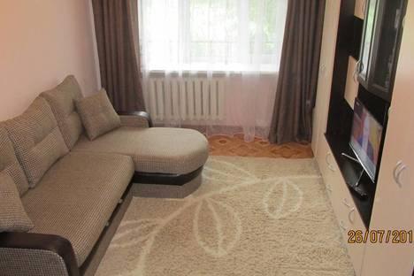 Сдается 2-комнатная квартира посуточно в Нижнем Тагиле, Ленина 60.