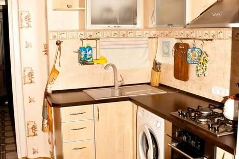 Сдается 1-комнатная квартира посуточно в Гурзуфе, ул. Подвойского, 30.