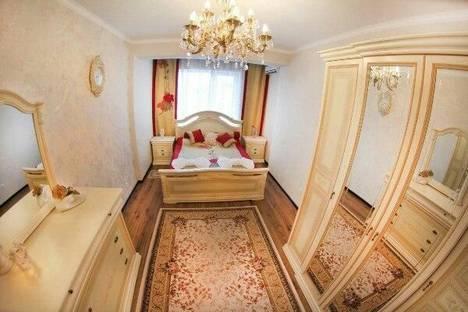 Сдается 2-комнатная квартира посуточно в Алматы, Ходжанова, 81.