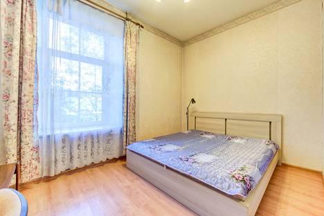 Сдается 2-комнатная квартира посуточно в Санкт-Петербурге, ул. Комсомола , д. 35.