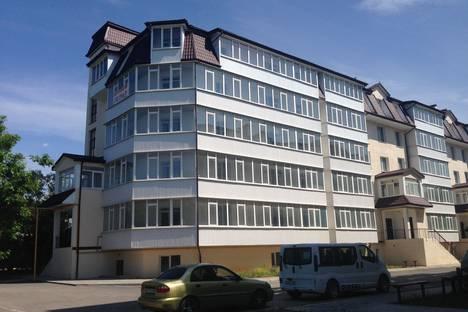 Сдается 1-комнатная квартира посуточнов Приморском, Советская, 1а.