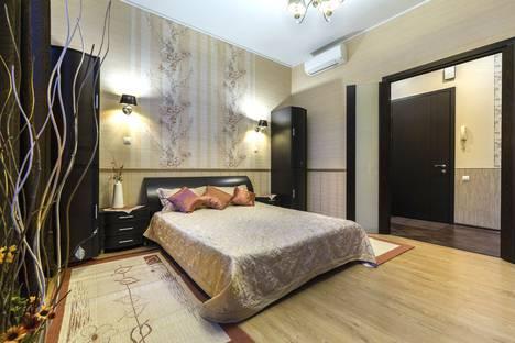 Сдается 2-комнатная квартира посуточно в Санкт-Петербурге, Невский проспект, 75.