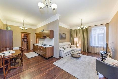 Сдается 3-комнатная квартира посуточно в Санкт-Петербурге, наб. реки Мойки, 28.