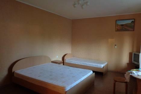 Сдается 1-комнатная квартира посуточно, Багликова 4.
