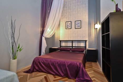 Сдается 2-комнатная квартира посуточно в Санкт-Петербурге, ул. Жуковского, 20.