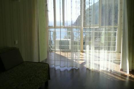 Сдается 2-комнатная квартира посуточно в Партените, Прибрежная 7.