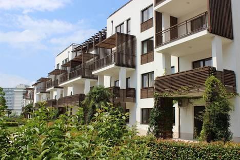 Сдается 2-комнатная квартира посуточнов Сочи, морской бульвар 1.