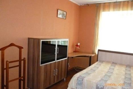 Сдается 2-комнатная квартира посуточно в Перми, ул. 25 Октября, 5.