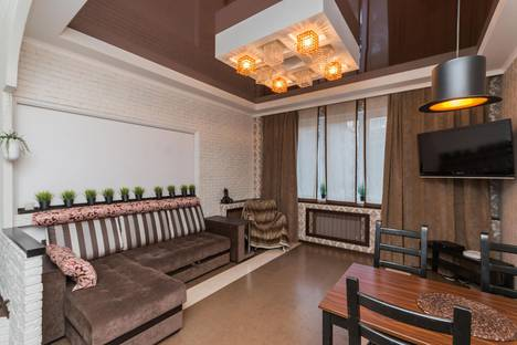 Сдается 2-комнатная квартира посуточно в Нижнем Новгороде, ул. Белинского, 15.