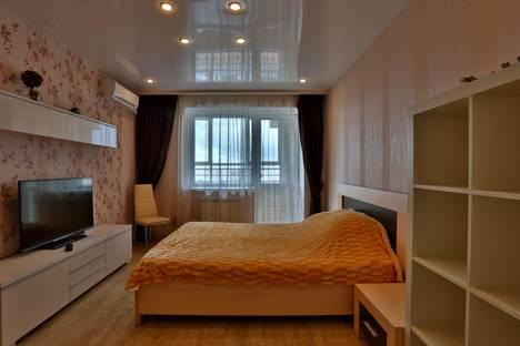 Сдается 1-комнатная квартира посуточно в Екатеринбурге, ул. Чапаева, 72а.