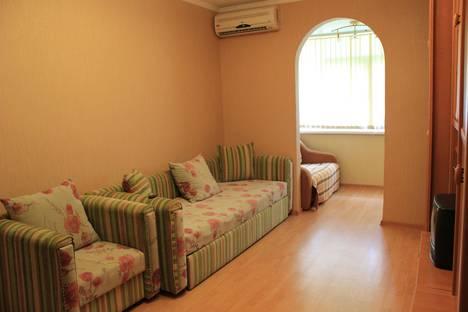 Сдается 1-комнатная квартира посуточно в Сочи, ул. Красноармейская, 31.