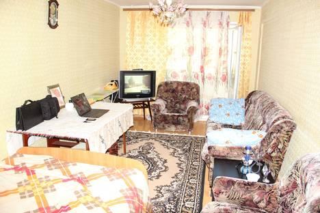Сдается 2-комнатная квартира посуточно в Воткинске, Серова 12.