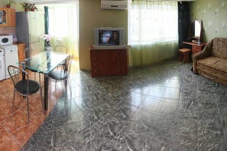 Сдается 2-комнатная квартира посуточно в Судаке, Бирюзова 4.