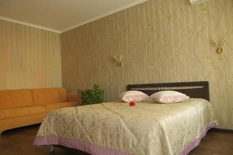 Сдается 1-комнатная квартира посуточнов Санкт-Петербурге, ул. Фрунзе, 27.