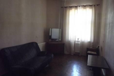 Сдается 2-комнатная квартира посуточнов Санкт-Петербурге, ул. Галерная, 30.