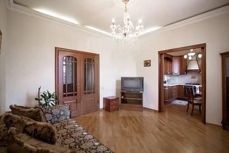 Сдается 2-комнатная квартира посуточно в Алматы, микрорайон Керемет, 6к20.