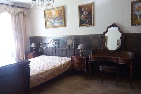 Сдается 2-комнатная квартира посуточно в Якутске, проспект Ленина, 3/1.