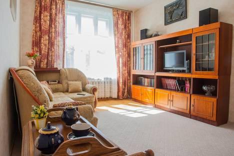 Сдается 2-комнатная квартира посуточнов Санкт-Петербурге, ул. Авиационная, 15.
