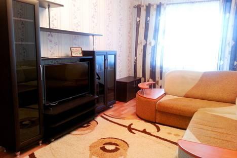 Сдается 1-комнатная квартира посуточно в Тобольске, 7 микрорайон,д.38.