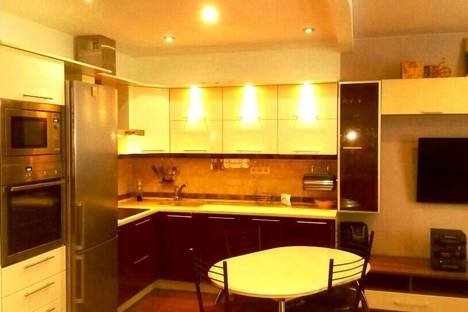 Сдается 1-комнатная квартира посуточнов Ногинске, ул. Яхотовый лес, дом 1.