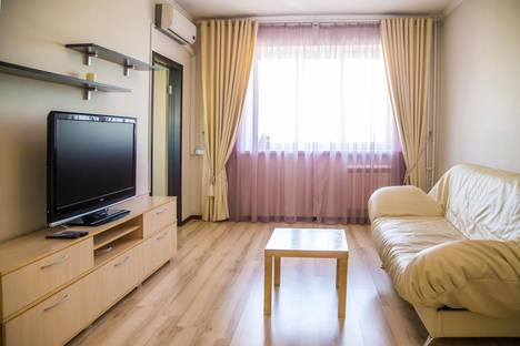 Сдается 1-комнатная квартира посуточно в Красноярске, ул. Авиаторов,  23.