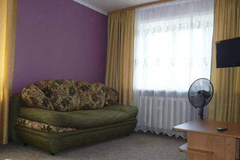 Сдается 1-комнатная квартира посуточно в Орске, пр Лениа 19.