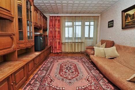 Сдается 3-комнатная квартира посуточно в Челябинске, ул. Крупской, 44.
