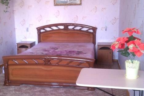Сдается 1-комнатная квартира посуточно в Элисте, Проспект Чонкушова,4 микрорайон,д.13.
