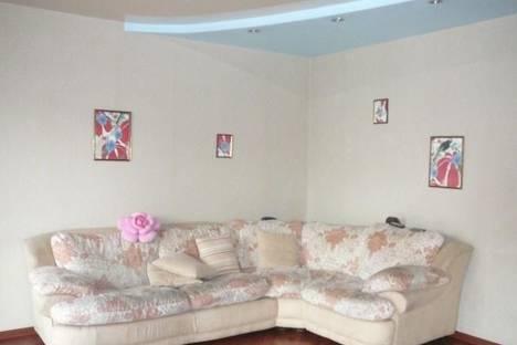 Сдается 4-комнатная квартира посуточно в Новокузнецке, ул. Кирова, 131.