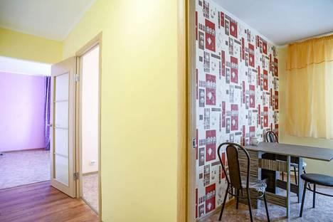 Сдается 2-комнатная квартира посуточно в Чебоксарах, Радужная 9.