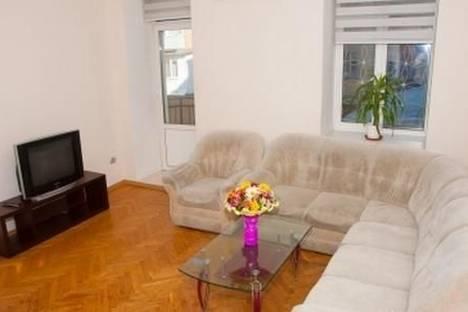 Сдается 3-комнатная квартира посуточно в Одессе, ул. Льва Толстого, 14.