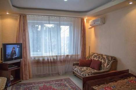 Сдается 1-комнатная квартира посуточно в Сочи, ул. Лазарева д. 42.