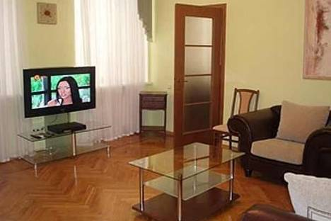 Сдается 1-комнатная квартира посуточно в Одессе, ул. Сабанеев мост, 5.