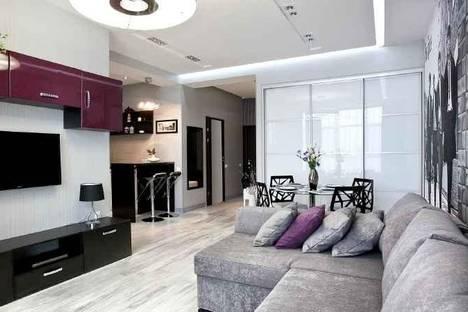 Сдается 2-комнатная квартира посуточно в Одессе, Ясная, 12.