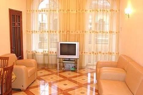 Сдается 3-комнатная квартира посуточно в Одессе, Екатерининская, 18.