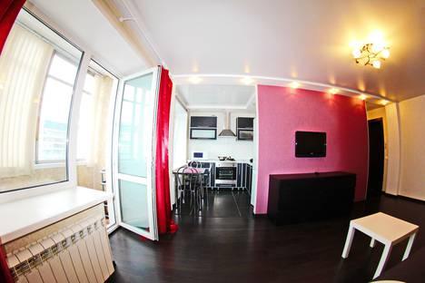 Сдается 1-комнатная квартира посуточнов Барнауле, Красноармейский проспект, 112.