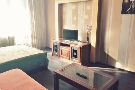Сдается 1-комнатная квартира посуточнов Омске, 3-я Енисейская 32/1.