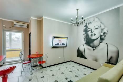 Сдается 2-комнатная квартира посуточно в Ростове-на-Дону, Буденновский проспект, 85.