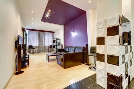 Сдается 2-комнатная квартира посуточно в Санкт-Петербурге, Невский проспект, 112.