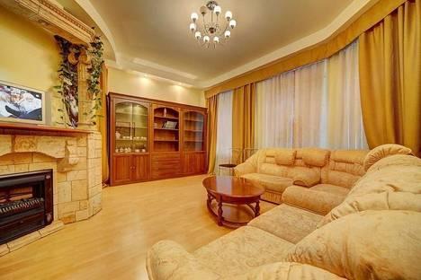 Сдается 2-комнатная квартира посуточнов Санкт-Петербурге, м. Парк Победы, ул., Фрунзе, д. 24.