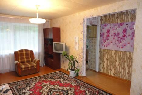 Сдается 2-комнатная квартира посуточнов Златоусте, проспект им Ю.А.Гагарина 2-я линия, 8.