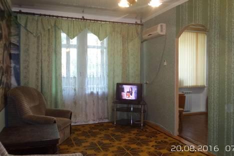 Сдается 2-комнатная квартира посуточно в Камышине, Краностроителей 13.