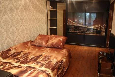 Сдается 1-комнатная квартира посуточнов Железнодорожном, ул. Советская, 40.